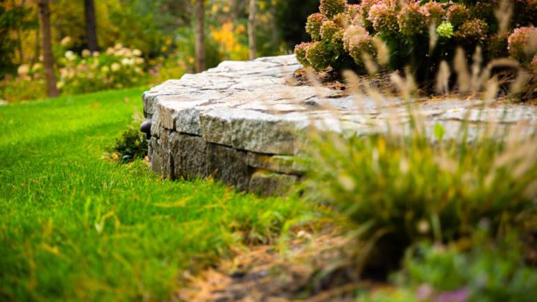 Natural Granite Wall & Softscape
